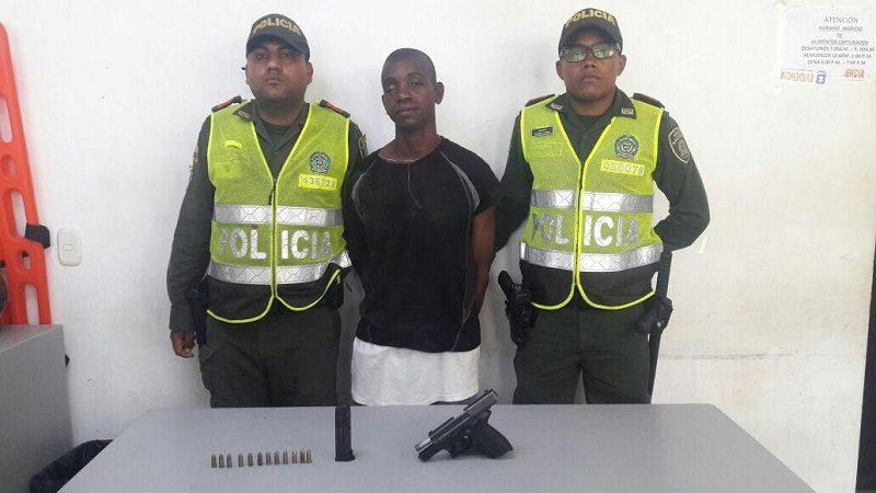 Capturan a venezolano con una pistola 9 milímetros en el barrio Mequejo