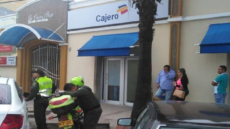 Disfrazados de vigilantes roban $87 millones en cajero electrónico en Sabanagrande