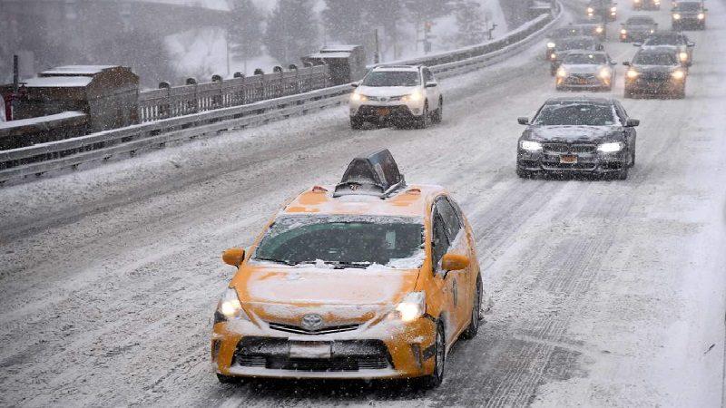 Fuerte tormenta invernal sacude a gran parte de Estados Unidos