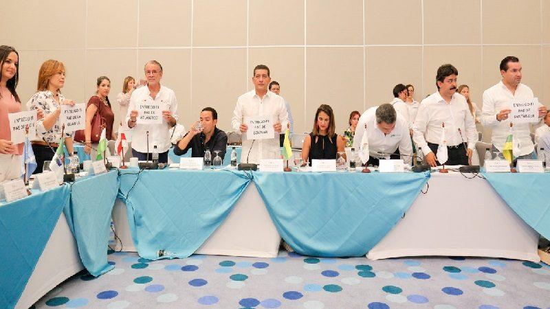 Gobernadores anuncian entrega del Programa de Alimentación Escolar (PAE) al Gobierno Nacional