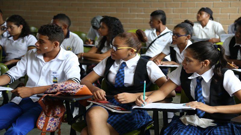 Este lunes regresan a clases 102.000 estudiantes de colegios oficiales del Atlántico