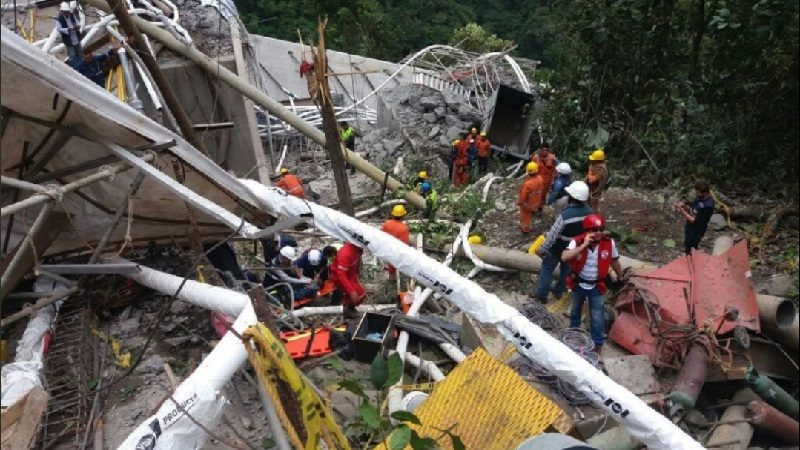 Rescatan otro cuerpo de trabajador que murió en colapso de puente Chirajara