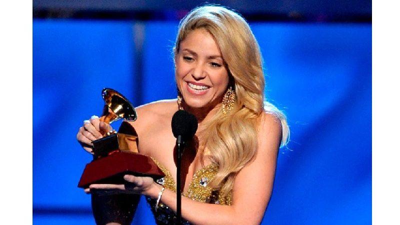 Shakira gana Grammy a mejor álbum de música pop latina