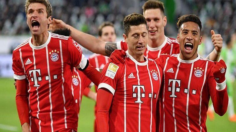 Bayern Múnich le ganó 2-1 al Wolfsburgo y se mantiene líder de la Bundesliga