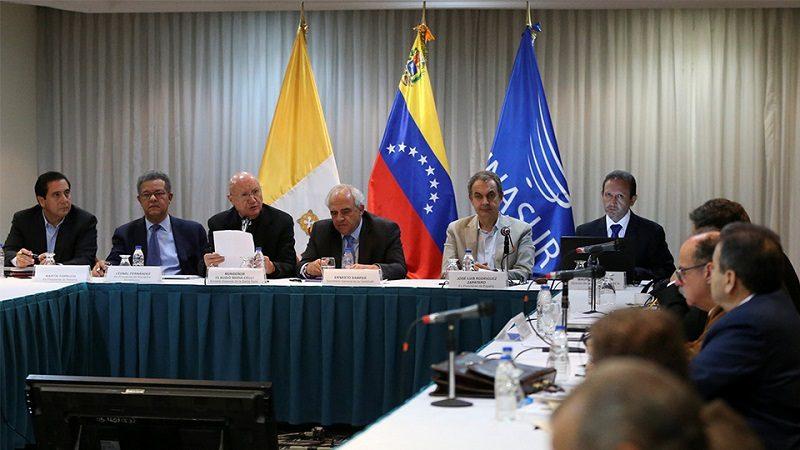 Gobierno y oposición de Venezuela reanudan diálogo en Santo Domingo