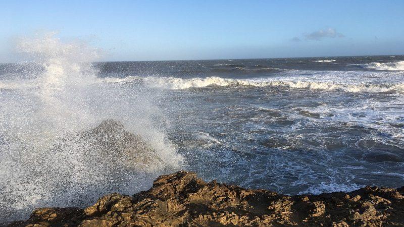 Prolongan por 72 horas más la alerta roja en el Caribe debido a los fuertes vientos