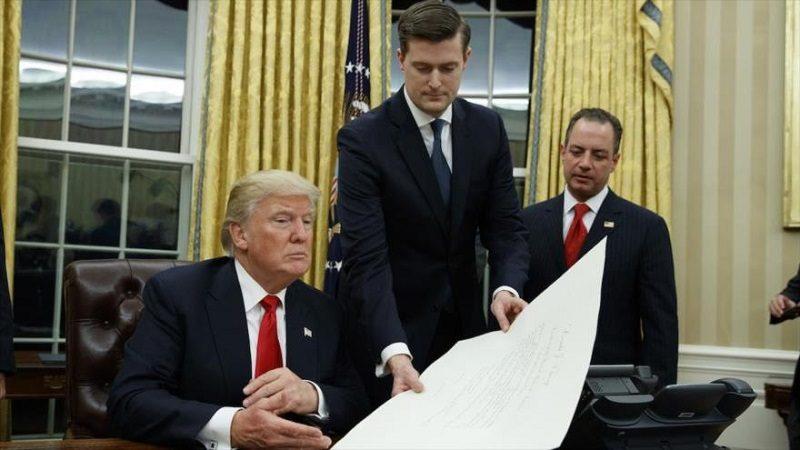 Renuncia asesor de Trump, tras denuncias de violencia doméstica