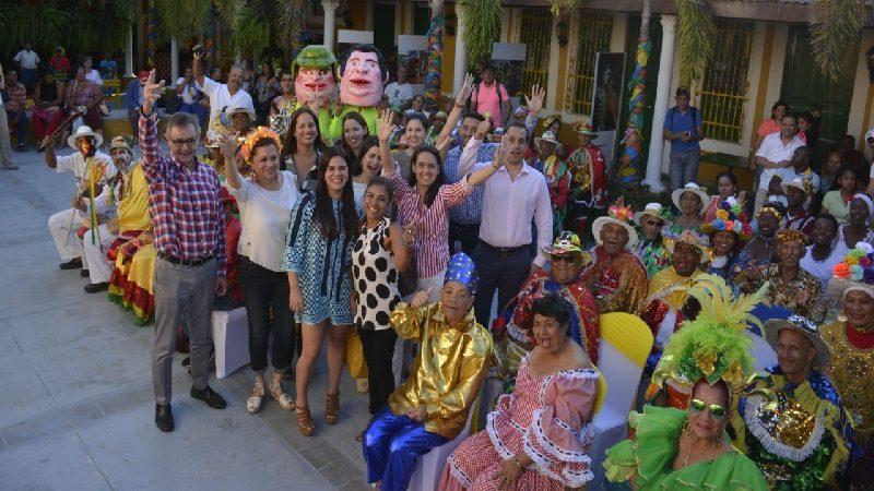 Varias empresas colombianas apadrinarán a 78 grupos folclóricos del carnaval