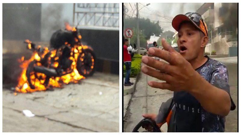 Vídeo: Hombre furioso quemó su moto porque la Policía se la iba a inmovilizar