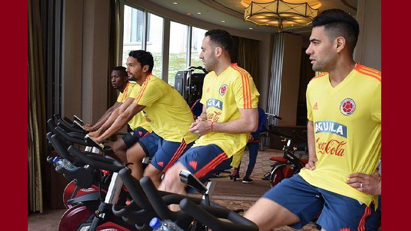 Con 15 jugadores inicia la concentración de Colombia en París