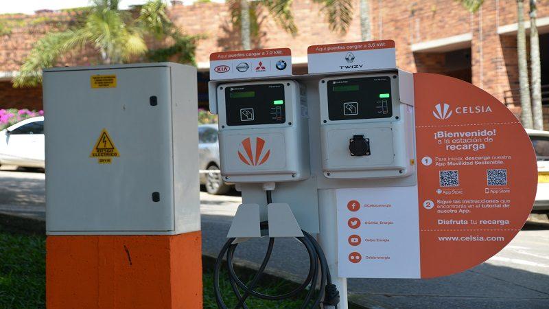 Entran en servicio cinco nuevas estaciones de carga para vehículos eléctricos en Colombia
