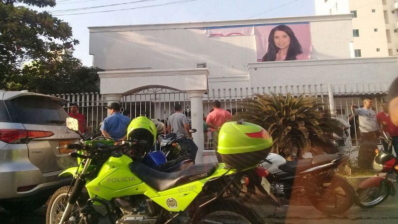 Hallan $260 millones, armas y mercados en sede política de Aida Merlano, en Barranquilla