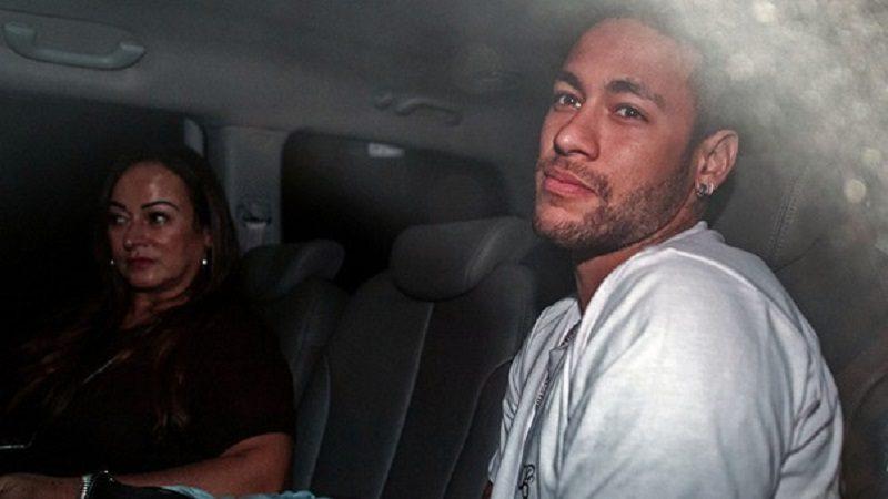 Neymar ya fue operado en el pie derecho y se encuentra en recuperación