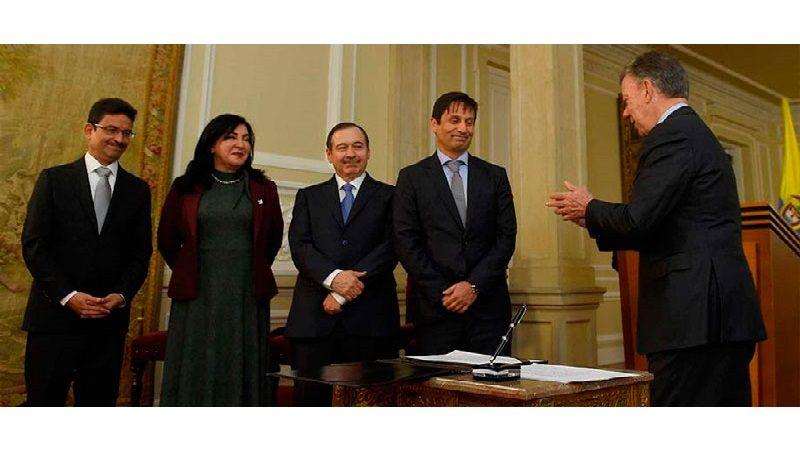 Presidente Santos posesionó a cuatro magistrados de la JEP