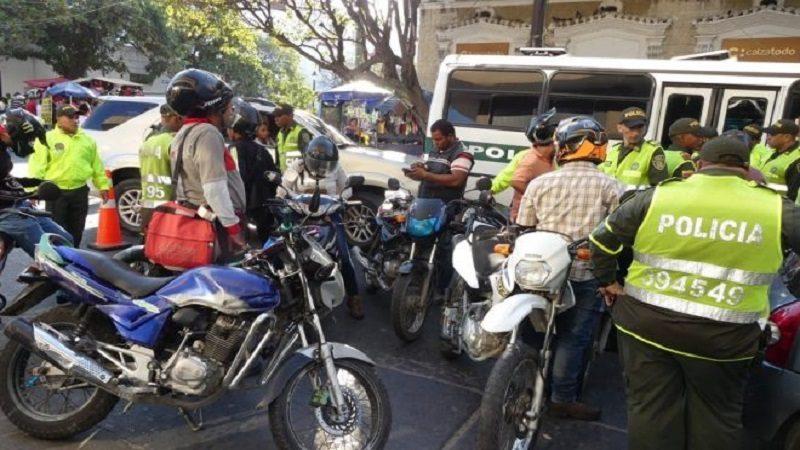 Atracan a Jefe de Inteligencia de la Policía de Santa Marta cuando iba en bicicleta