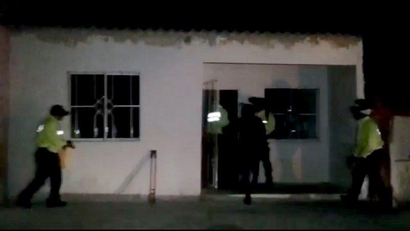 De madrugada y tumbando puertas, así fue el operativo contra 'Leidy Perico'