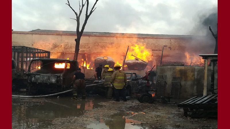 Incendio consumió fábrica de pinturas en el municipio de Soledad