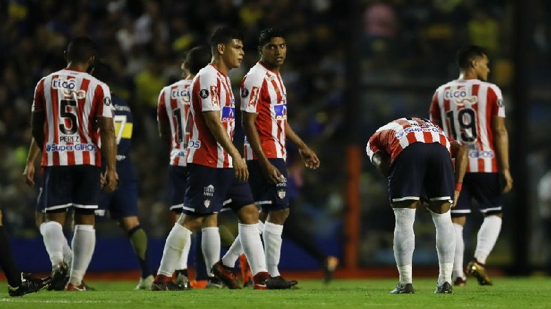 Junior lo intentó, pero no pudo, perdió 1-0 ante Boca Juniors, en La Bombonera