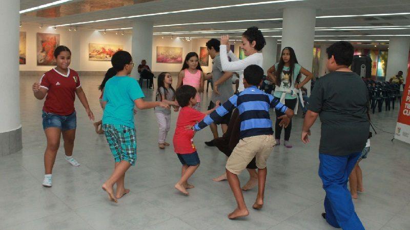La Galería Plaza de la Paz abre convocatorias de talleres para niños y adultos