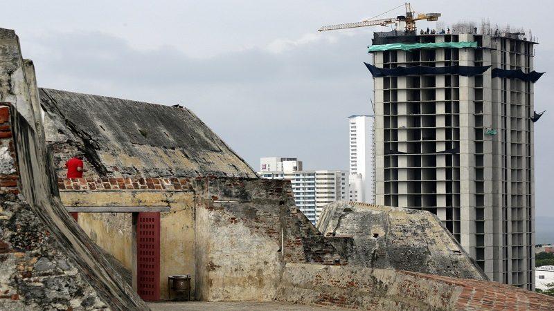 Procuraduría abre investigación a tres funcionarios por construcción del edificio Aquarela