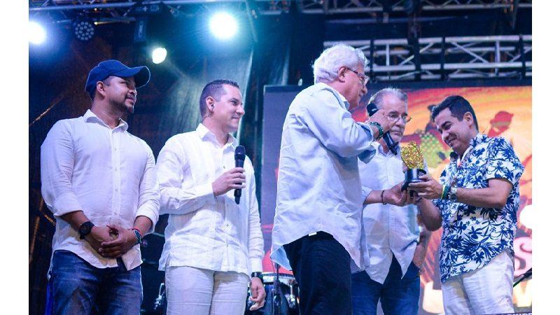 Soledad entregó galardón 'Orgullo Soledeño' a Telecaribe, por liderazgo en la televisión nacional