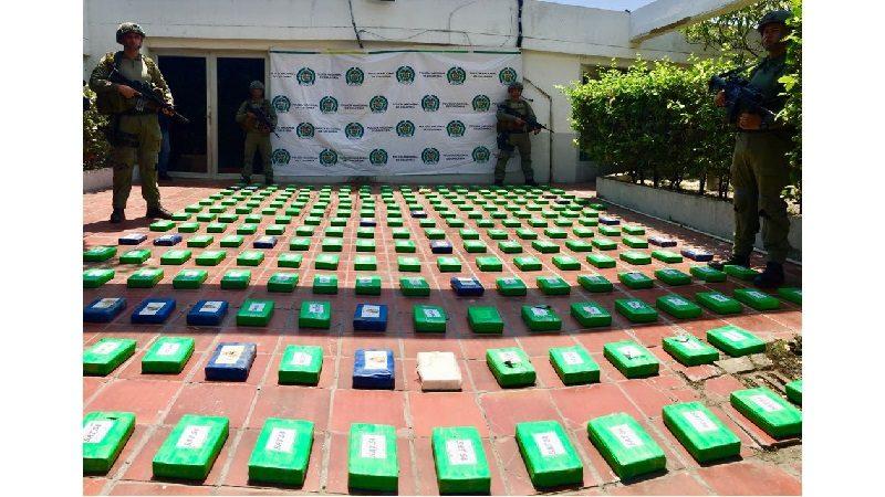 Tres polizontes transportaban 700 kilos de cocaína por el Puerto de Barranquilla