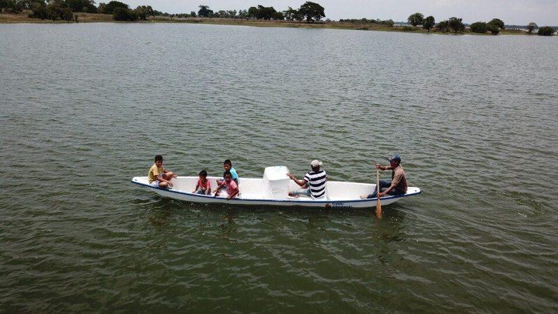 Entregan canoas nuevas a pescadores de la Mojana sucreña
