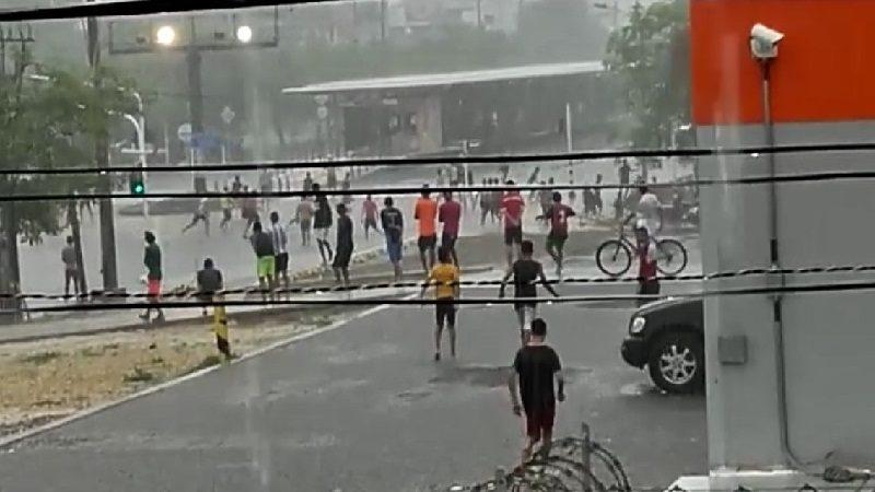 Otra vez, guerra de pandillas en Soledad, durante el aguacero
