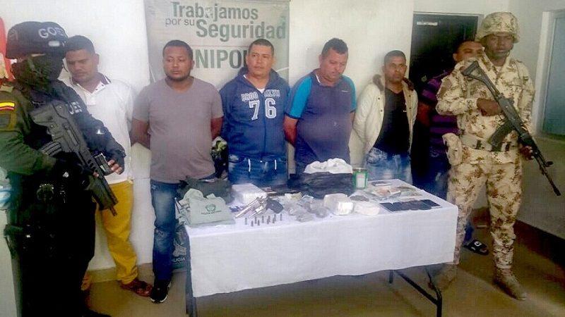 Cae banda 'Los Becerra', con droga, armas y hasta uniformes de Policía, en Barranquilla