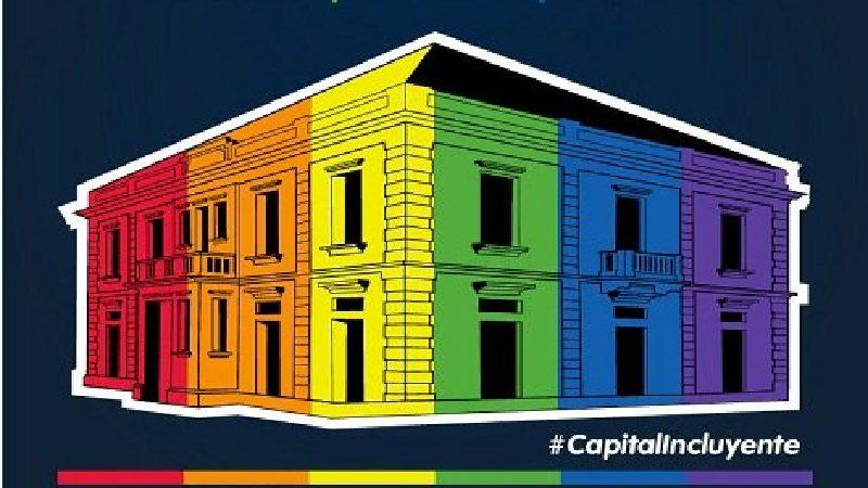 Con iluminación multicolor en la Intendencia Fluvial, Barranquilla llama al respeto por la diversidad