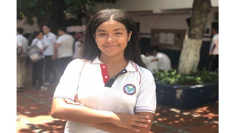 Estudiante de colegio distrital irá a EE.UU. a participar en programa 'Jóvenes Embajadores'