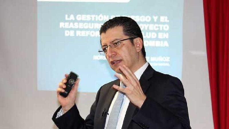 Procuraduría suspende ocho meses al exsuperintendente de Salud, Norman Julio Muñoz