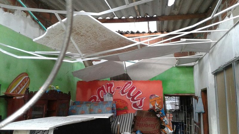 Vendaval destecha casas, iglesia y colegio, en Repelón y Baranoa