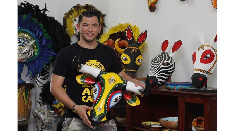 'Capas' del artista Luis Demetrio Llanos llega a la Galería Plaza de la Paz