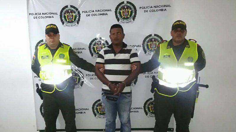 Capturan a un hombre cuando agredía a su mujer e hijastra, en Luruaco