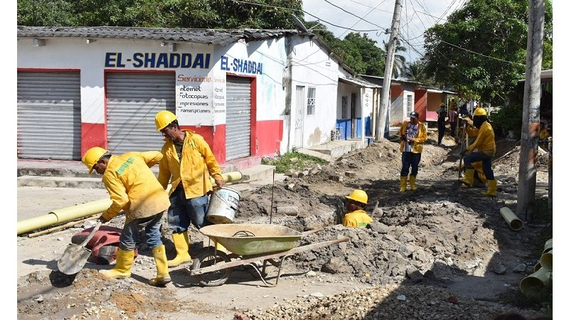 Comenzó instalación de alcantarillado en el barrio Colombia de Malambo