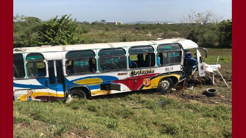 Accidente de bus en Galapa deja 20 heridos