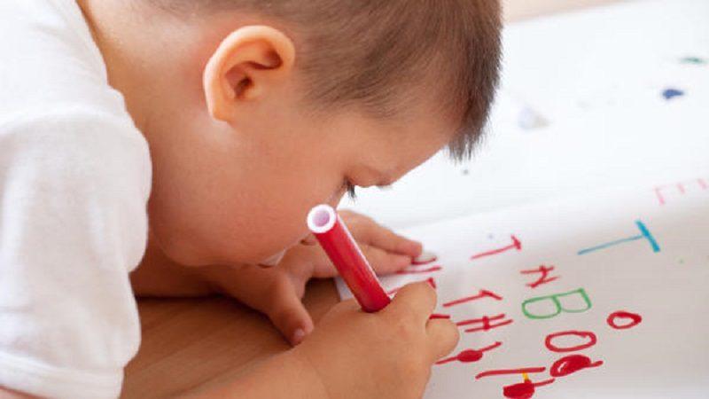 La mejor edad para que los niños empiecen su vida escolar, según estudio económico