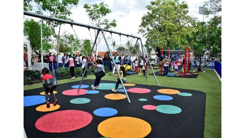 Así quedó el remodelado parque Luis Carlos Galán, al lado del Romelio Martínez