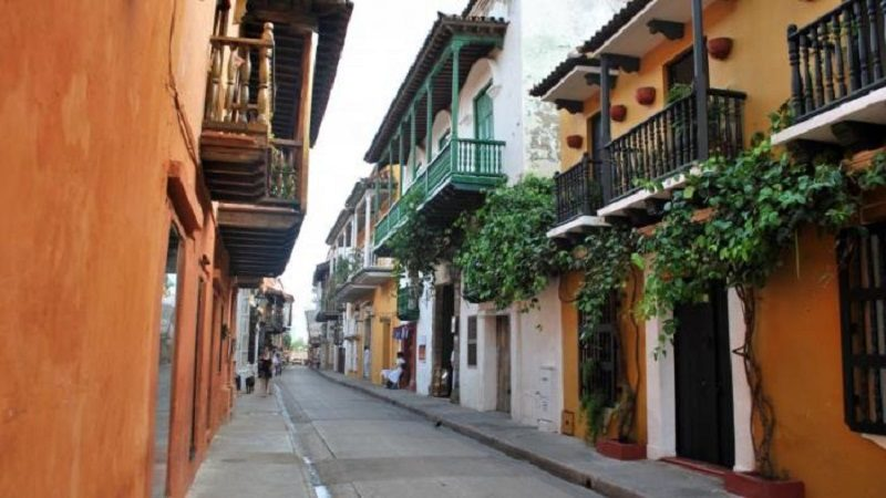 IGAC aportará insumos catastrales para la legalización de 1.000 predios fiscales en Cartagena