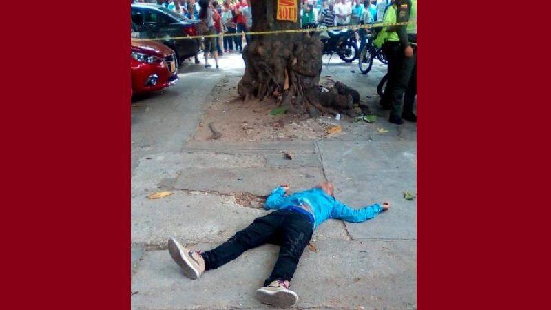 Un presunto atracador muerto y otro capturado cerca al parque Suri Salcedo