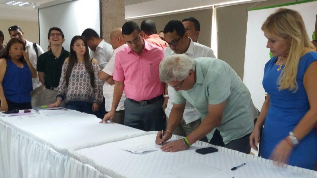 joao herrera firmando