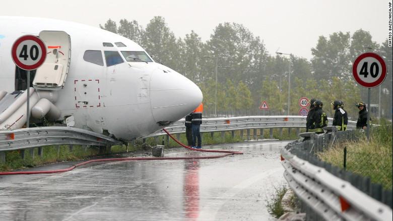avion se salio de la pista