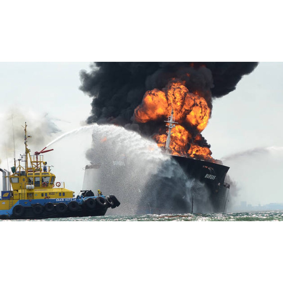 buque-incendio-2