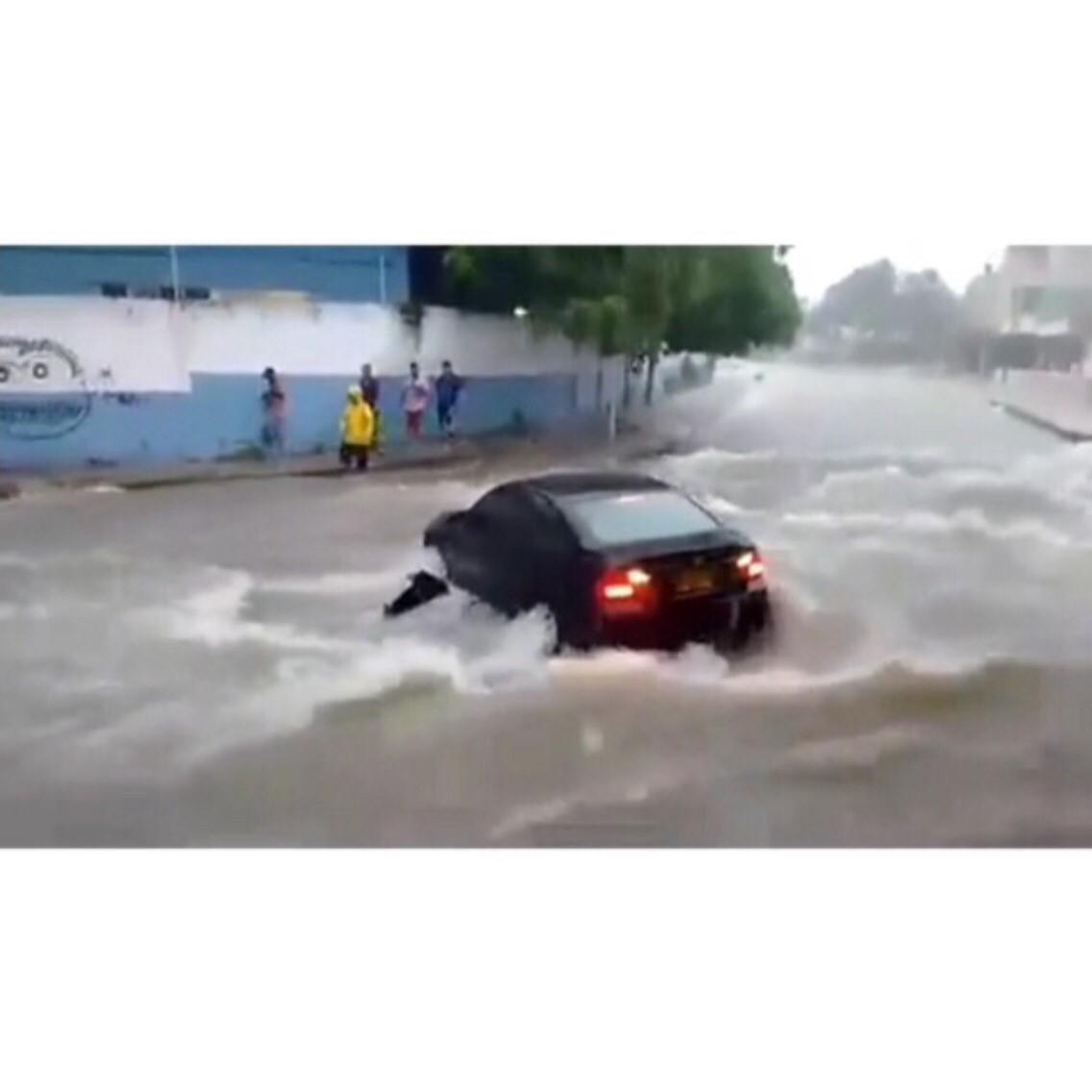carro-arroyo-nueva-granada