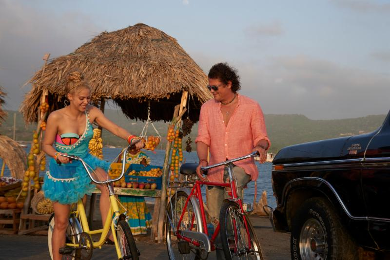 shakira-caros-vives-bicicleta