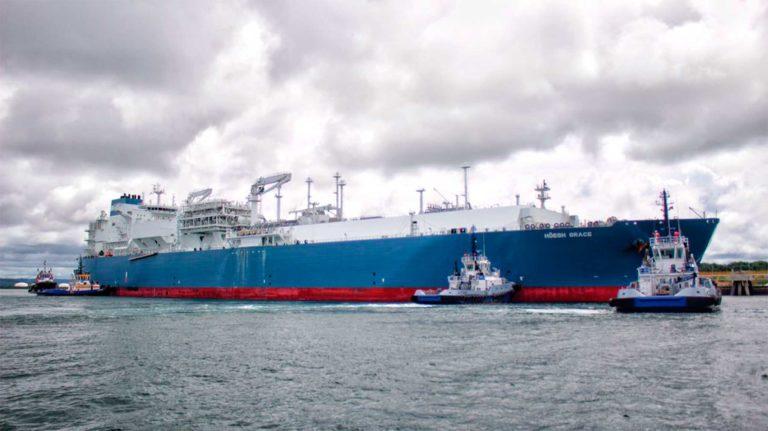 Llegó a Cartagena el primer buque para almacenamiento y regasificación de gas