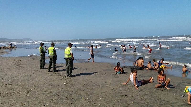 policia-playas