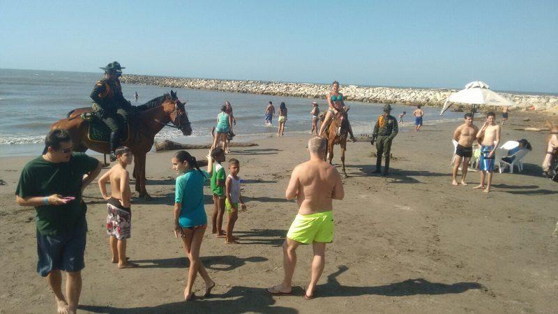 playas-pto-colombia-policias