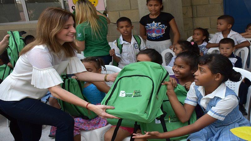 primera dama kits escolares